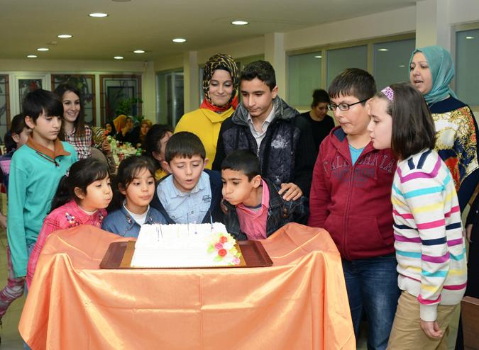 Tuzla Belediyesinden Yetimlere Özel Doğum Günü Kutlaması