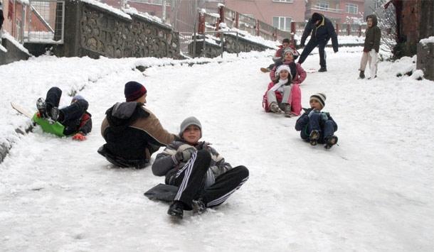 İstanbul'da Yarın Eğitime Kar Tatili