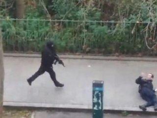 """Charlie Hebdo saldırısını Yemen El Kaidesi """" Biz Yaptık"""" dedi"""