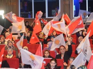 Tuzla'nın Kadın Kolları Başkanı Derya Bacacı