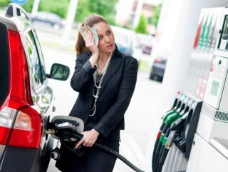Benzin 5, Motorine 6 Kuruş Zam