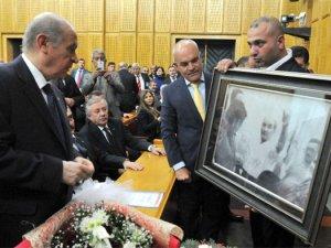 Bahçeli'ye Bozkurt yapan Atatürk fotoğrafı