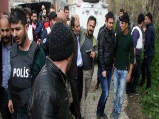 Diyarbakır'da Çatışma 3 Kişi Yaralandı