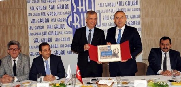 Bakan Açıkladı: Çin ve Türkiye Arasındaki Vizeler Kalkıyor