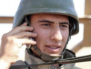 Askerler cep telefonuna kavuştu