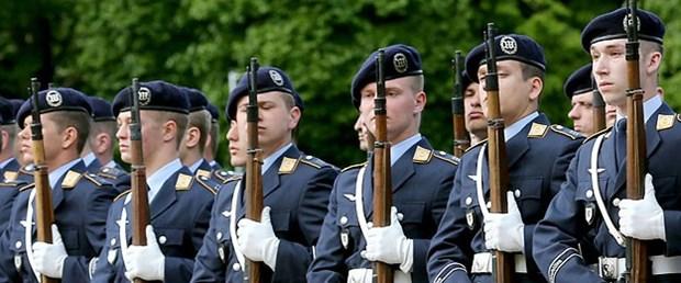 Alman ordusu imam takviyesi