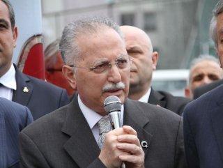Ekmeleddin İhsanoğlu Meclis'e Sonunda Girdi