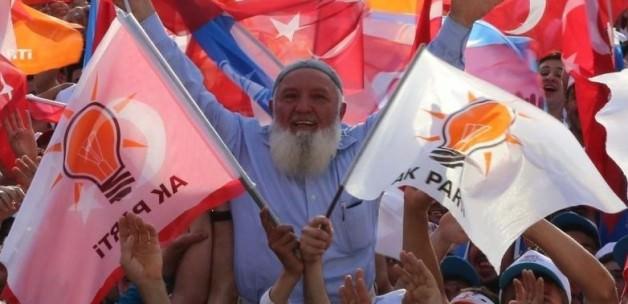 AK Parti'den siyasi tarihe geçen başarı
