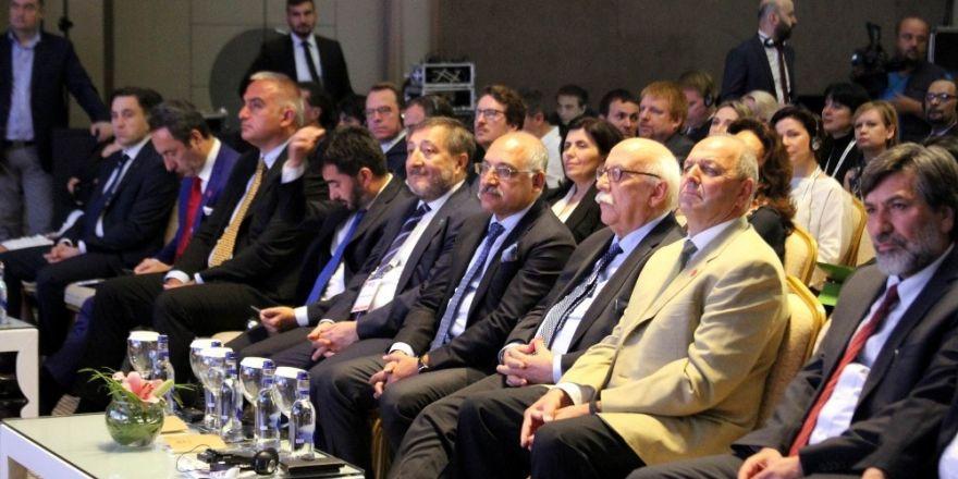 """Bakan Avcı: """"Türk dizileri turizme şaşırtacak derecede katkı sağlıyor"""""""