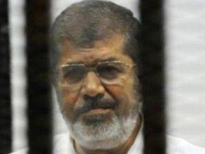 Mursi'nin davası yeniden ertelendi