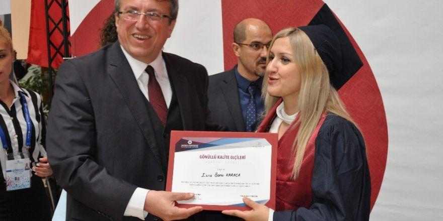 Açıköğretim Fakültesinden mezunlar için ödül töreni