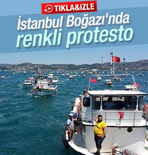 İstanbul Boğazı'nda tekneler siren çalarak eylem yaptı