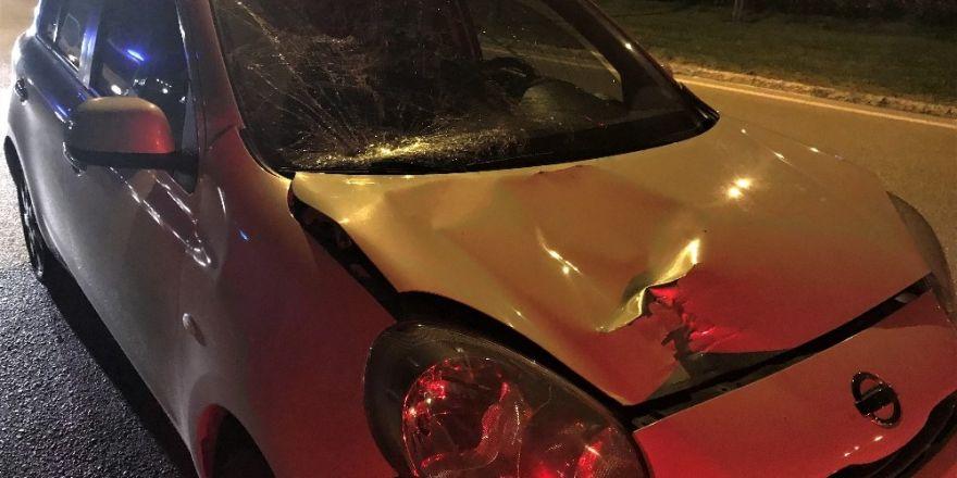 Trafik polisine uygulama esnasında araç çarptı