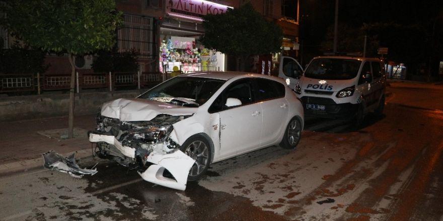 Adana'da trafik kazası: 1 kişi hayatını kaybetti 1 kişi ağır yaralı