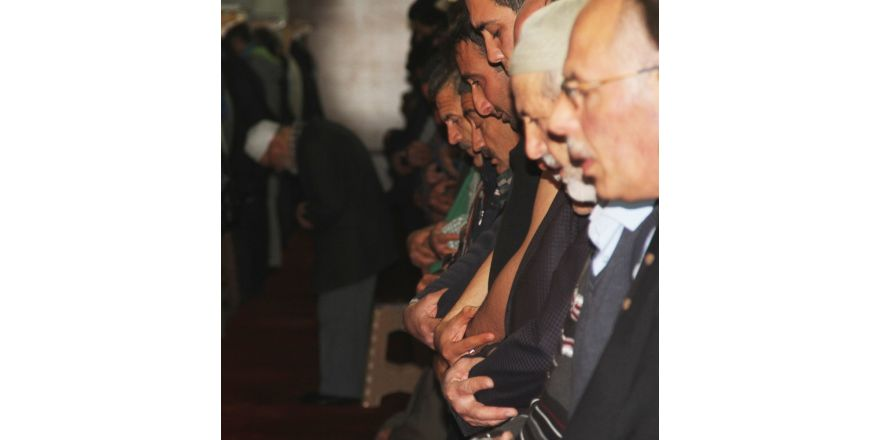 Sivas'ta 821 yıllık camide teravih