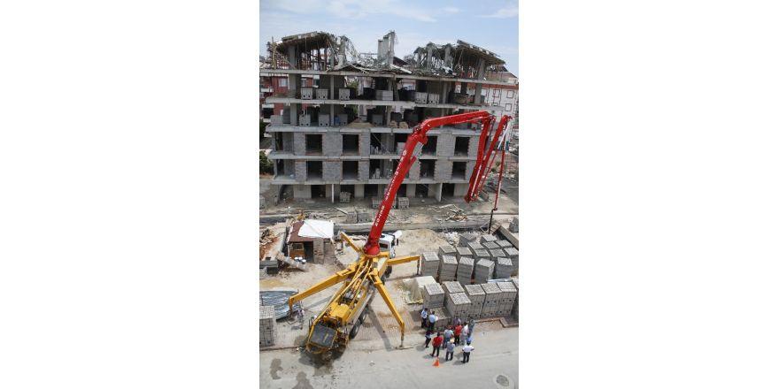 Antalya'da çöken inşaatta şans eseri yaralanan olmadı