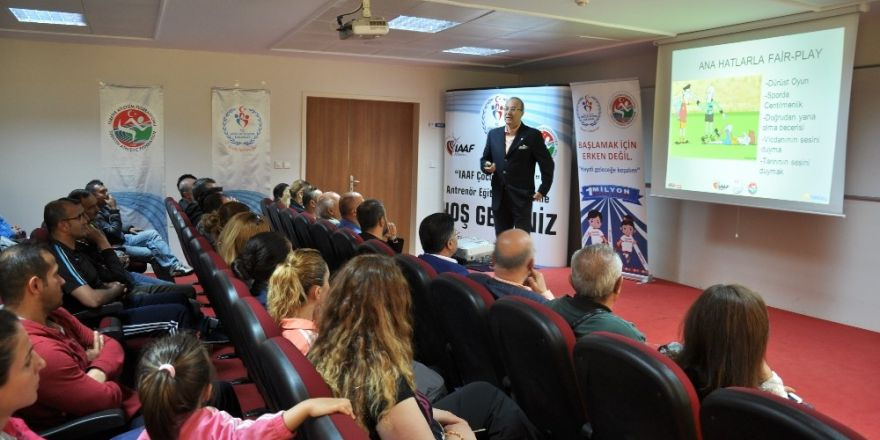 "Erzincan'da ""IAAF Çocuk Atletizmi"" semineri"