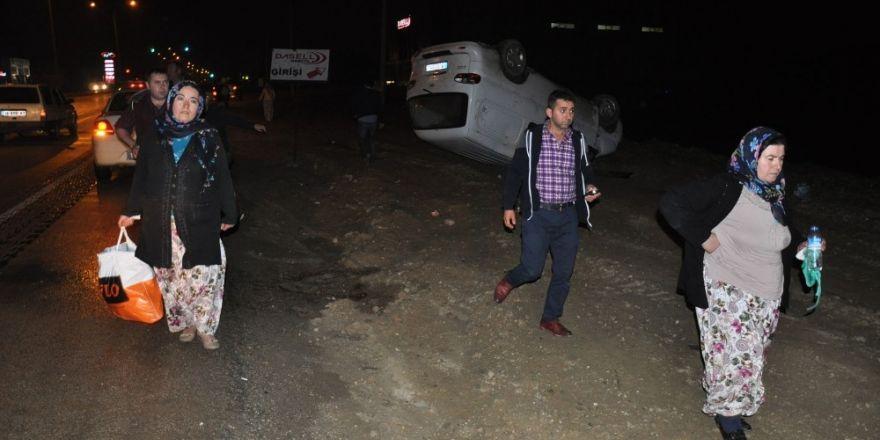 İftar dönüşü minibüs takla attı: 7 yaralı