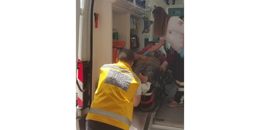 Boya yapmak için çıktığı merdivenden düşen kadın hastanelik oldu