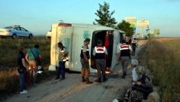 Niğde'de yolcu otobüsü devrildi: 25 Yaralı var