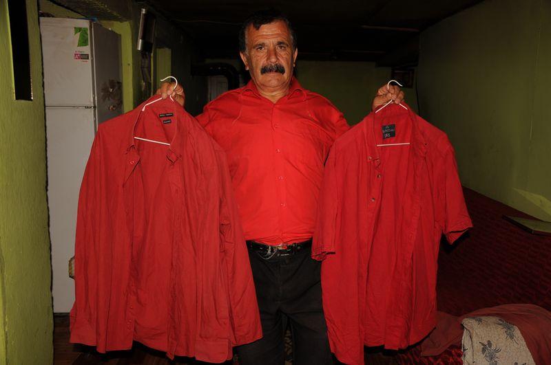 Bartın'lının Türk Bayrağı Sevgisi: 41 Yıldır Kırmızı Giyiyor