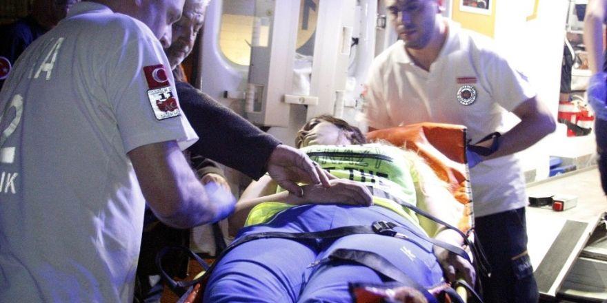 Eşiyle tartışıp ilaç içen kadını, itfaiye balkondan girerek kurtardı