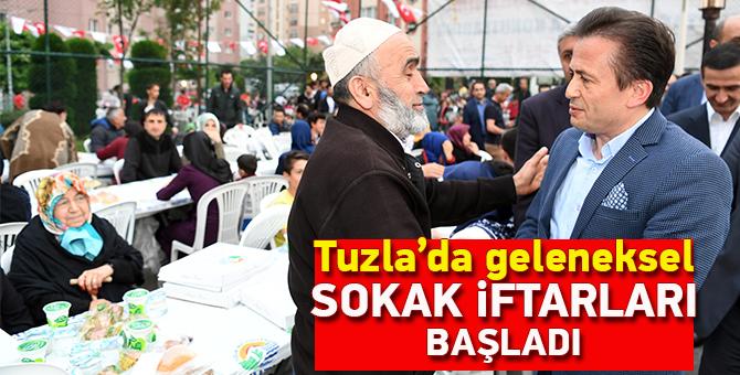 Tuzla'da geleneksel sokak iftarları başladı
