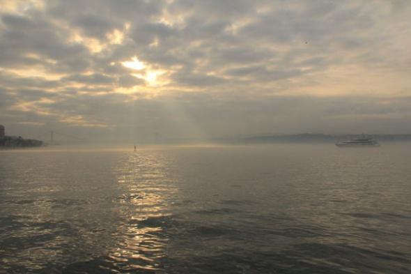 İstanbul güne Karanlık Başladı