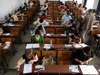 415 bin lise öğrencisi açıkta kaldı