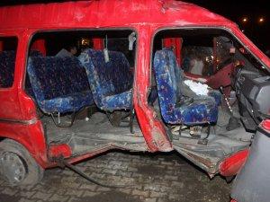 Samsunda Nişan dönüşü kaza: 16 yaralı