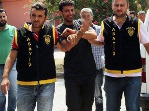 22 Suçtan aranan şahıs cezaevine gülerek gitti