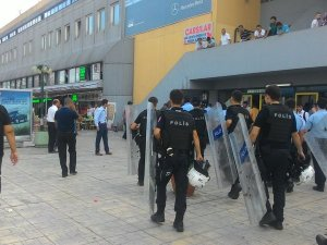 Bayrampaşa Otogarı'nda taksiciler birbirine girdi