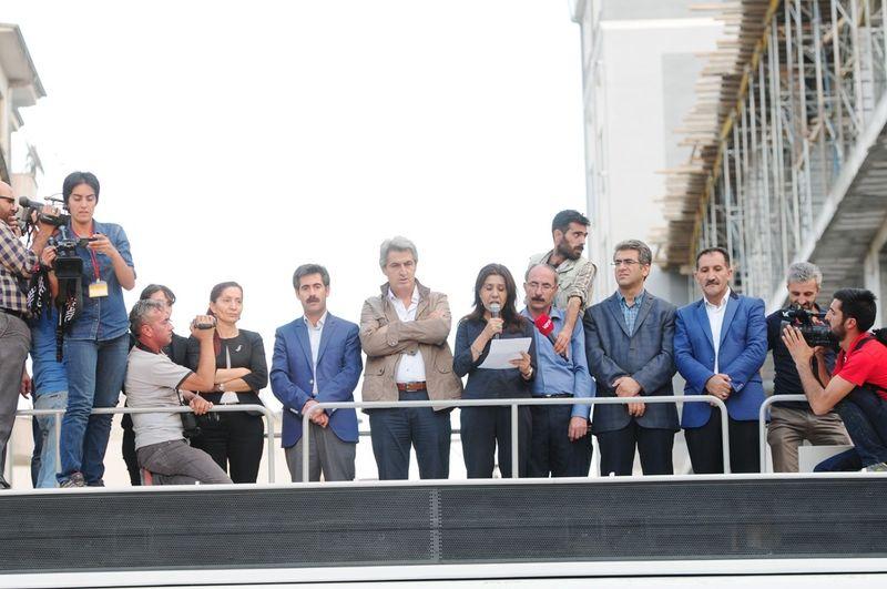 Van'da HDP ve DBP'den tutuklamalara tepki
