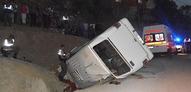 Balıkesir Havran ilçesinde Kaza! Kontroldan Çıkan Minibüs takla attı!