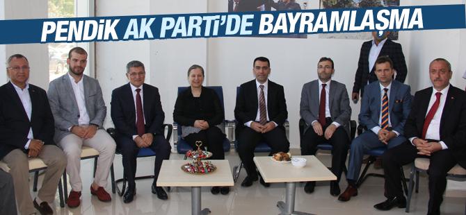 Pendik AK Parti'de Bayramlaşma ikinci Gün Gerçekleştirildi