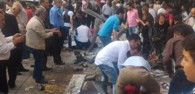 Dikimevi Kavşağında Kaza: Belediye otobüsü Durağa daldı 11 Ölü Var