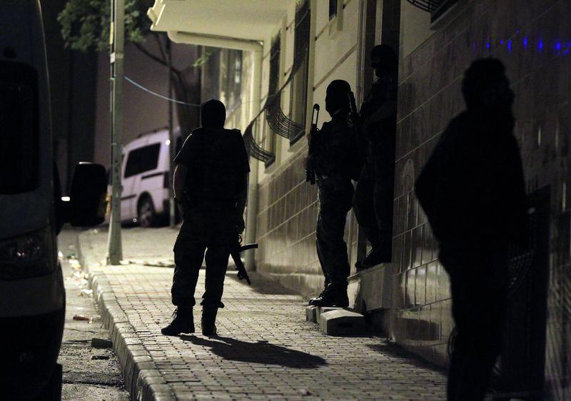 istanbul'da Eş Zamanlı Terör Operasyonu