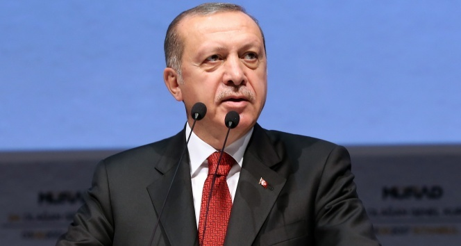Erdoğan, Fransa Cumhurbaşkanı ve Katar Emiri ile görüştü