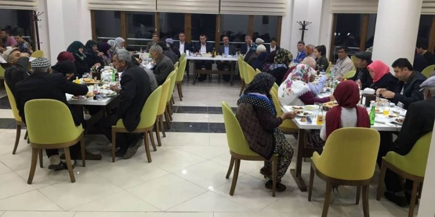 Aslanapa'da şehit yakınları ve gazilere iftar yemeği