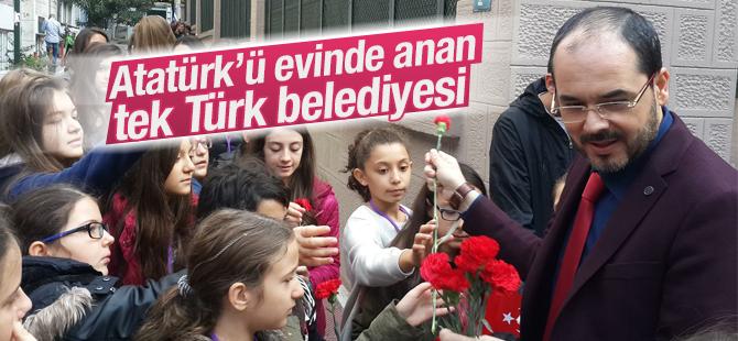 Başiskele Belediyesi Atatürk'ü Evinde Anan Tek Türk Belediyesi Oldu