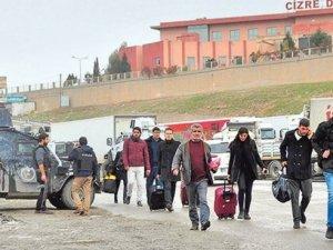 Öğretmenler Cizre ve Silopi'den Ayrıldı