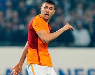 Galatasaray'ın Yıldızı Burak Yılmaz'ın Futbol Hayatı Tehlikede