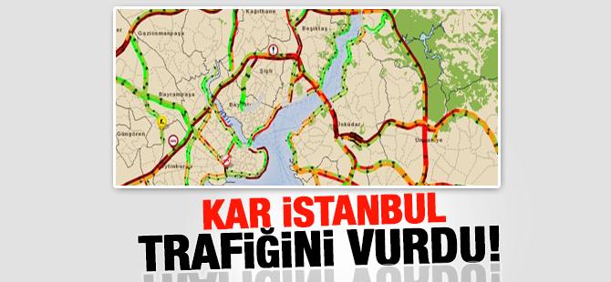 İstanbul Kar Altında! Trafik Durma Noktasında