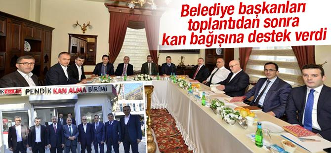 AK Partili Belediye Başkanları Pendik'te Kan Bağışına Destek Verdi