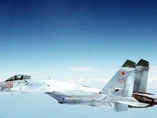 Rus savaş uçağı Eğitim Uçuşunda düştü