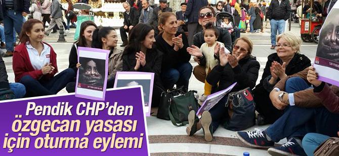 Pendik CHP 'Özgecan Yasası'nın TBMM'den Geçmemesine İsyan Etti
