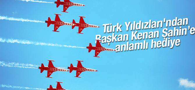 Türk Yıldızları'ndan Anlamlı Hediye