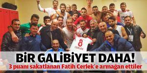 Pendiksporlu futbolcular galibiyeti Fatih Cerlek'e armağan etti