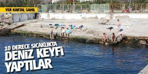 Kartal'da bir grup genç 10 derece sıcaklıkta denize girdi!