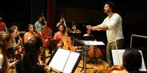 Orkestranın en iyi şefleri Karşıyaka'da yetişiyor